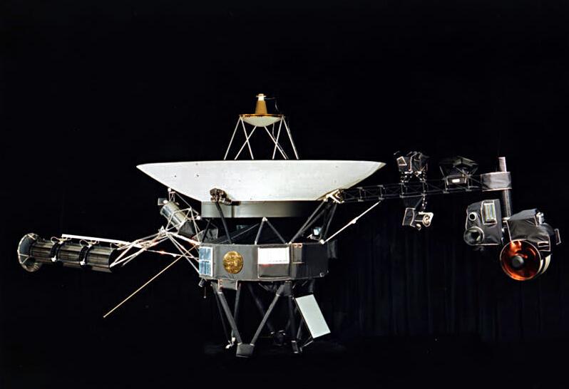 人类首个外太空探测器遭遇磁异常 载有文明信息